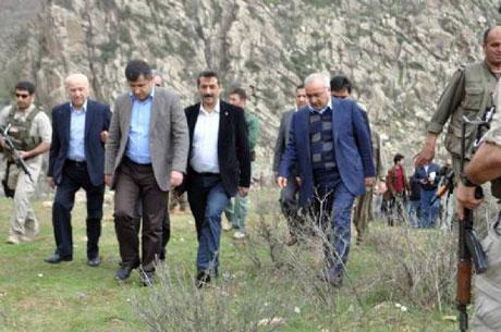 PKK, kamu görevlisi ve askerleri serbest bıraktı galerisi resim 20
