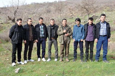 PKK, kamu görevlisi ve askerleri serbest bıraktı galerisi resim 9