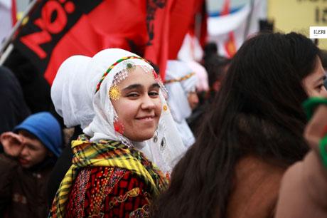 Tarihi 2013 Newroz'undan kareler galerisi resim 10