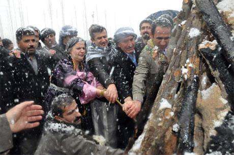 Tarihi 2013 Newroz'undan kareler galerisi resim 43