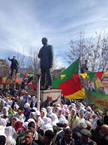 Tarihi 2013 Newroz'undan kareler galerisi resim 78