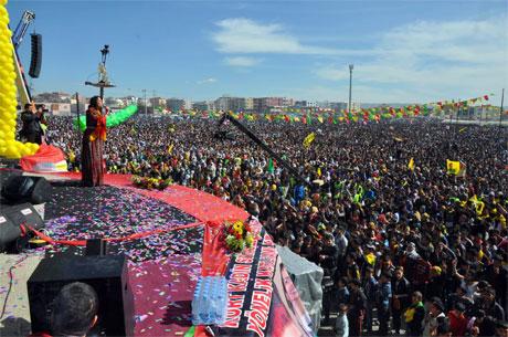 Tarihi 2013 Newroz'undan kareler galerisi resim 79