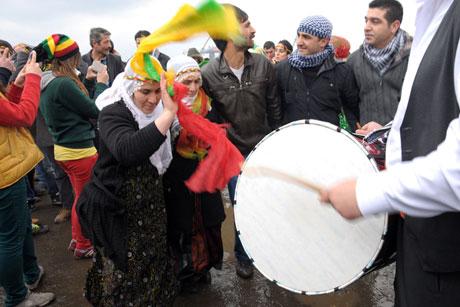 Tarihi 2013 Newroz'undan kareler galerisi resim 9