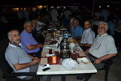 Nûbihar'ın iftar yemeğine büyük ilgi galerisi resim 50