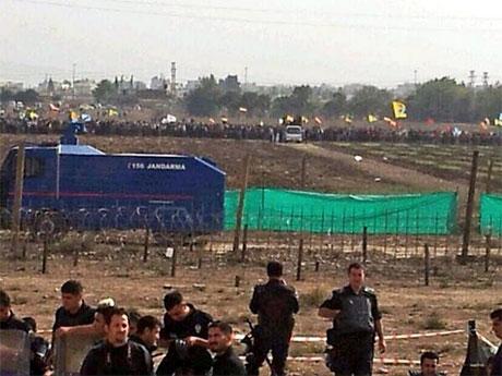 Nusaybin'de-Rojava'da duvar protesto edildi galerisi resim 24