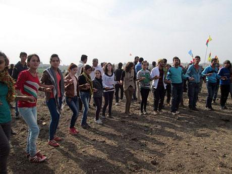 Nusaybin'de-Rojava'da duvar protesto edildi galerisi resim 30