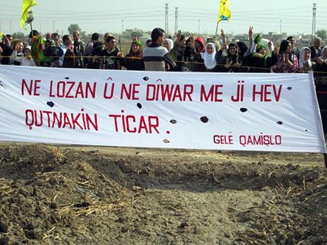 Nusaybin'de-Rojava'da duvar protesto edildi galerisi resim 33