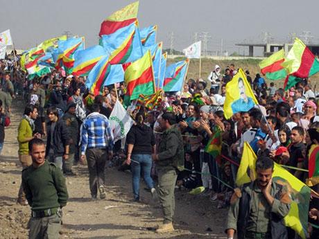 Nusaybin'de-Rojava'da duvar protesto edildi galerisi resim 36