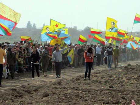 Nusaybin'de-Rojava'da duvar protesto edildi galerisi resim 38