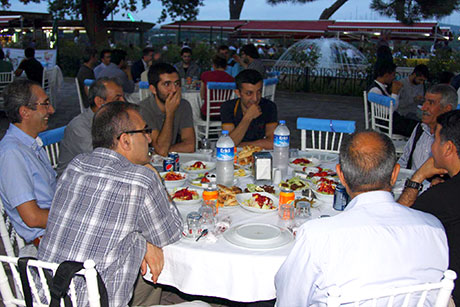 Nûbihar'ın iftar yemeğine büyük ilgi galerisi resim 31