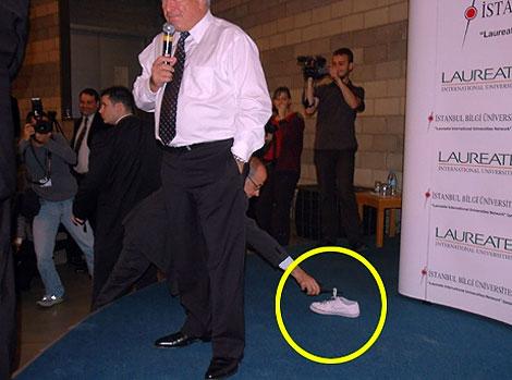 IMF Başkanı'na ayakkabı şoku! galerisi resim 5