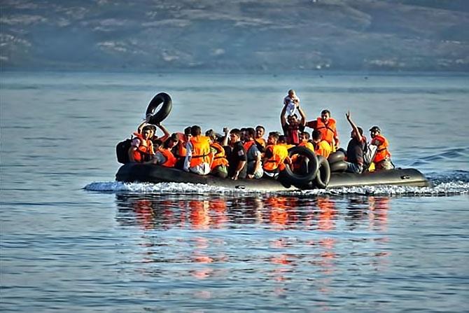 Fotoğraflarla hedefe ulaşan sığınmacıların sevinci galerisi resim 1