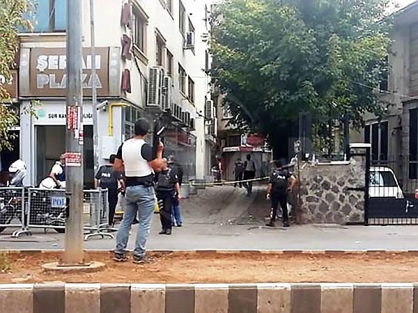 Diyarbakır'ın Sur ilçesinde sokağa çıkma yasağı galerisi resim 12