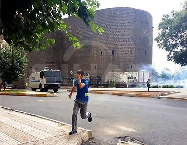 Diyarbakır'ın Sur ilçesinde sokağa çıkma yasağı galerisi resim 4