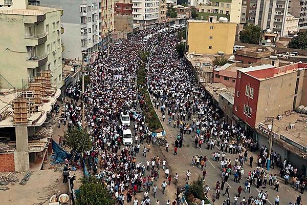 En çarpıcı fotoğraflarla Cizre'de yaşananlar galerisi resim 2