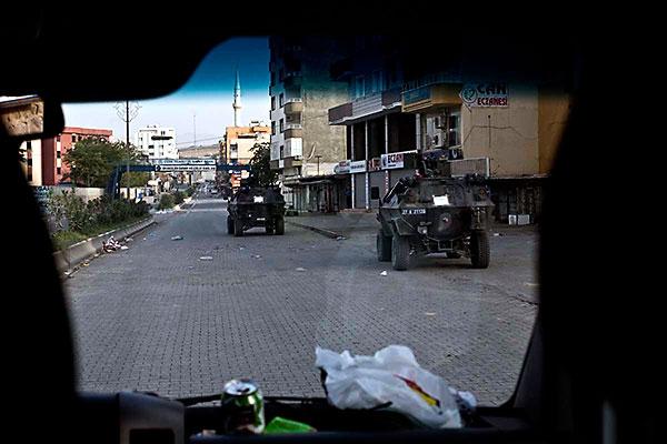 En çarpıcı fotoğraflarla Cizre'de yaşananlar galerisi resim 4