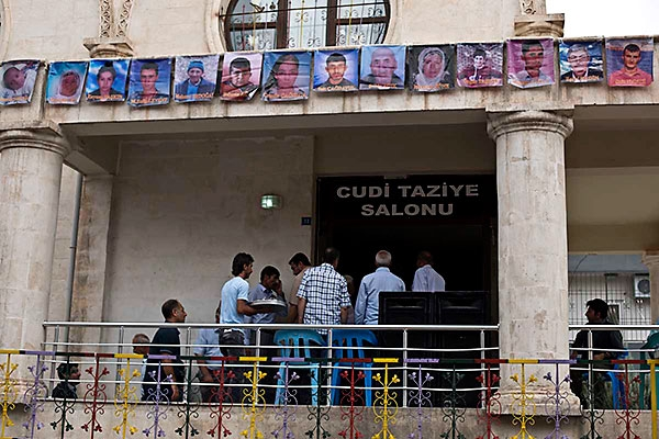 En çarpıcı fotoğraflarla Cizre'de yaşananlar galerisi resim 41