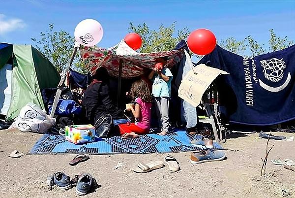 Çocuk gözüyle sığınmacıların dramı galerisi resim 17