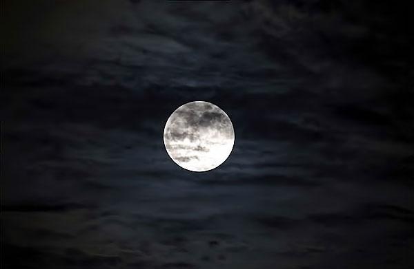 Reuters objektifinden 'Süper Ay' manzaraları galerisi resim 11