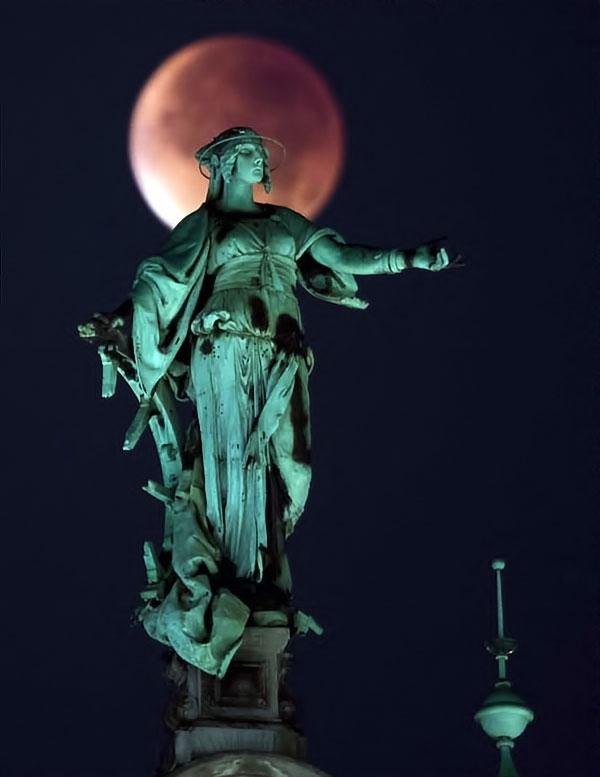 Reuters objektifinden 'Süper Ay' manzaraları galerisi resim 12