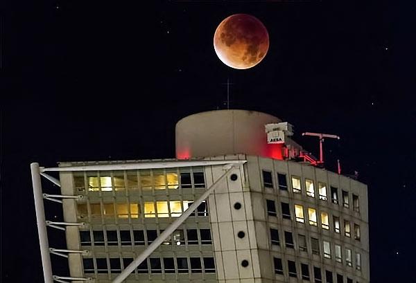 Reuters objektifinden 'Süper Ay' manzaraları galerisi resim 16