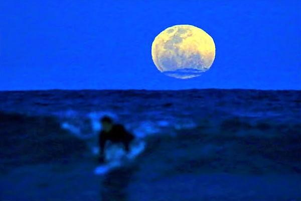Reuters objektifinden 'Süper Ay' manzaraları galerisi resim 20