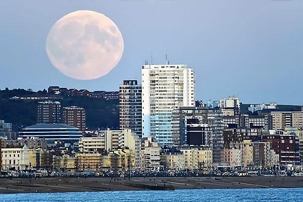 Reuters objektifinden 'Süper Ay' manzaraları galerisi resim 21
