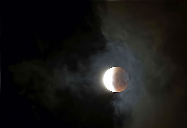 Reuters objektifinden 'Süper Ay' manzaraları galerisi resim 5