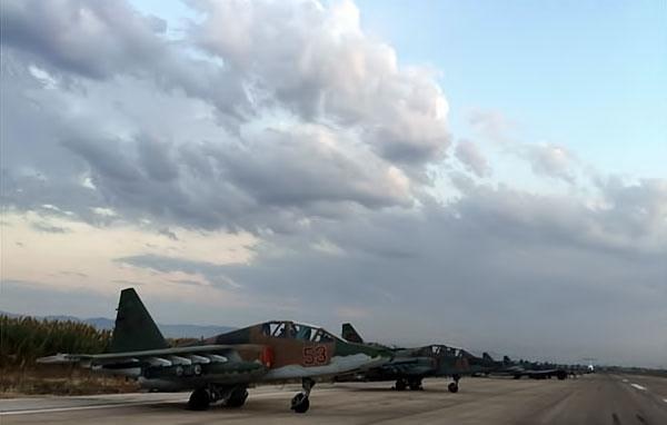 Rus jetlerinin IŞİD'i vurduğu üsten ilk görüntüler galerisi resim 7