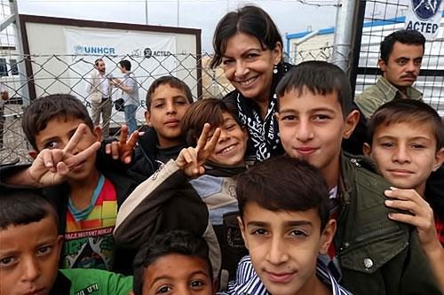 Paris Belediye Başkanı Hewler'de sığınmacı'larla galerisi resim 11