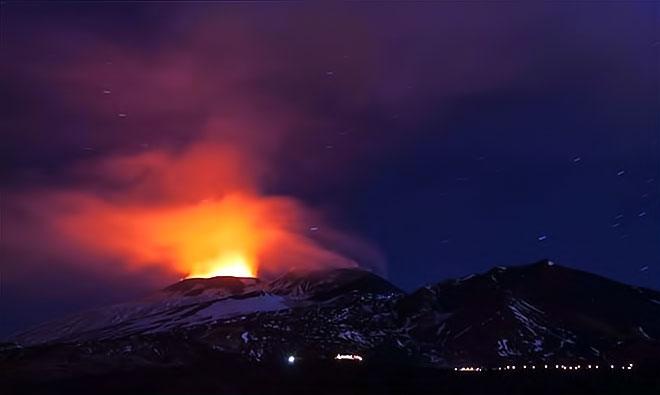 Sessizliğini bozan Etna'dan eşsiz görüntüler galerisi resim 3