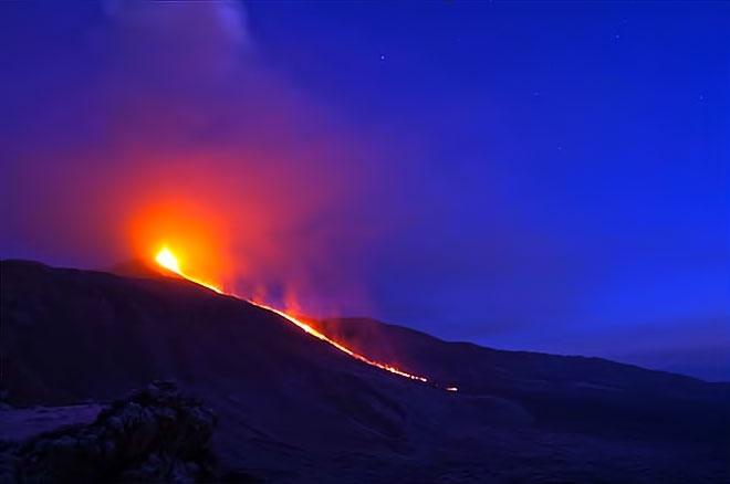 Sessizliğini bozan Etna'dan eşsiz görüntüler galerisi resim 5