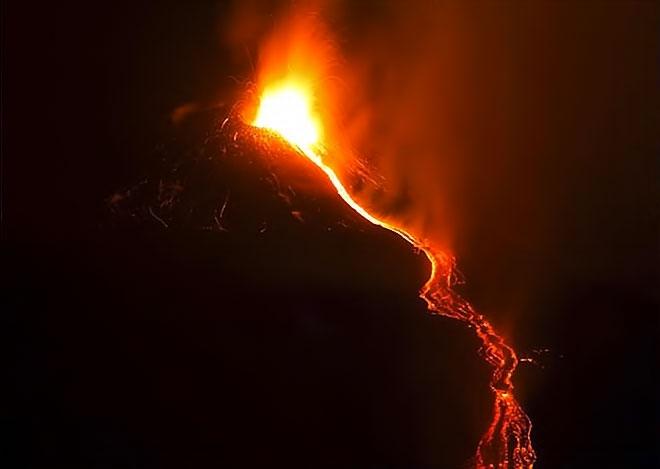 Sessizliğini bozan Etna'dan eşsiz görüntüler galerisi resim 6