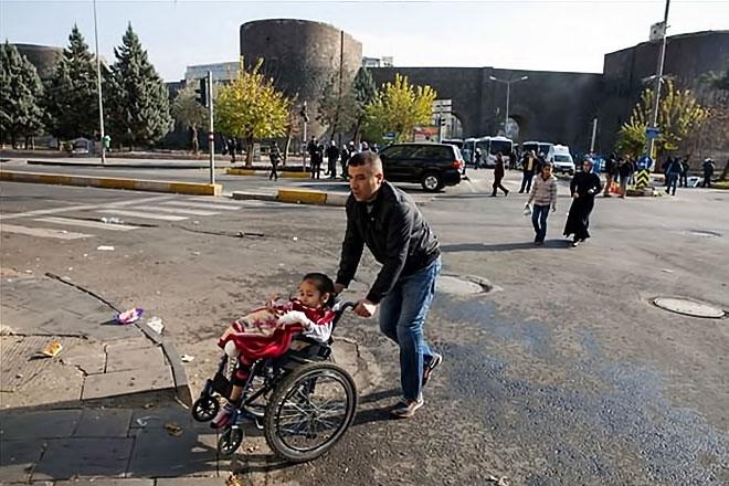 Diyarbakır'da 'Sur' protestosunda olaylar çıktı galerisi resim 11