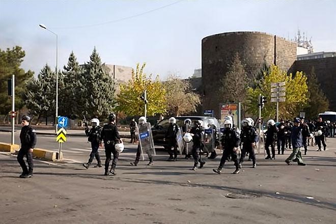 Diyarbakır'da 'Sur' protestosunda olaylar çıktı galerisi resim 23
