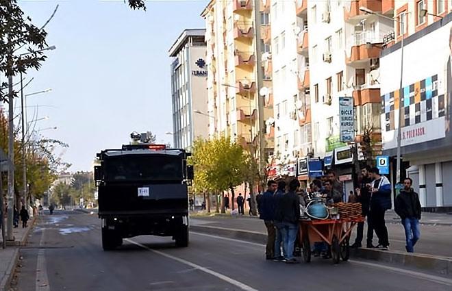 Diyarbakır'da 'Sur' protestosunda olaylar çıktı galerisi resim 3
