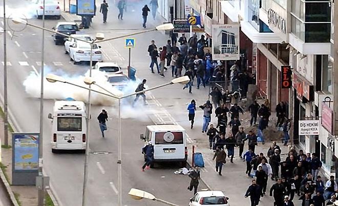 Diyarbakır'da 'Sur' protestosunda olaylar çıktı galerisi resim 33