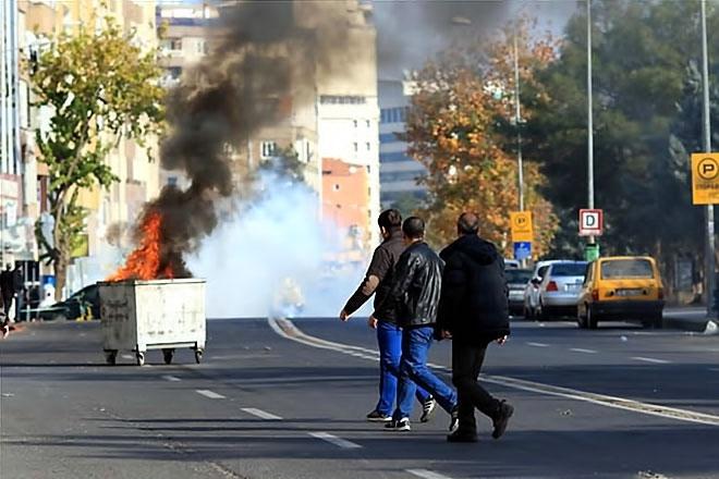Diyarbakır'da 'Sur' protestosunda olaylar çıktı galerisi resim 36