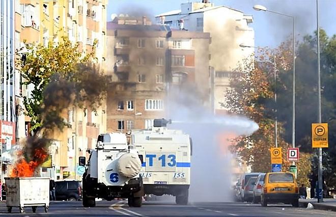 Diyarbakır'da 'Sur' protestosunda olaylar çıktı galerisi resim 4