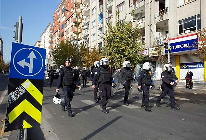 Diyarbakır'da 'Sur' protestosunda olaylar çıktı galerisi resim 40