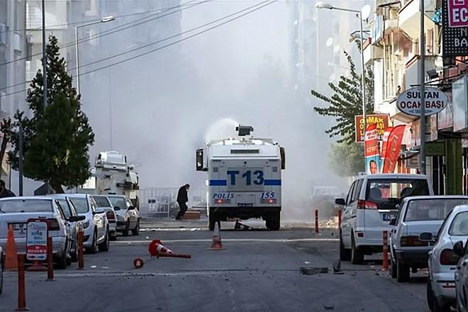 Diyarbakır'da 'Sur' protestosunda olaylar çıktı galerisi resim 6