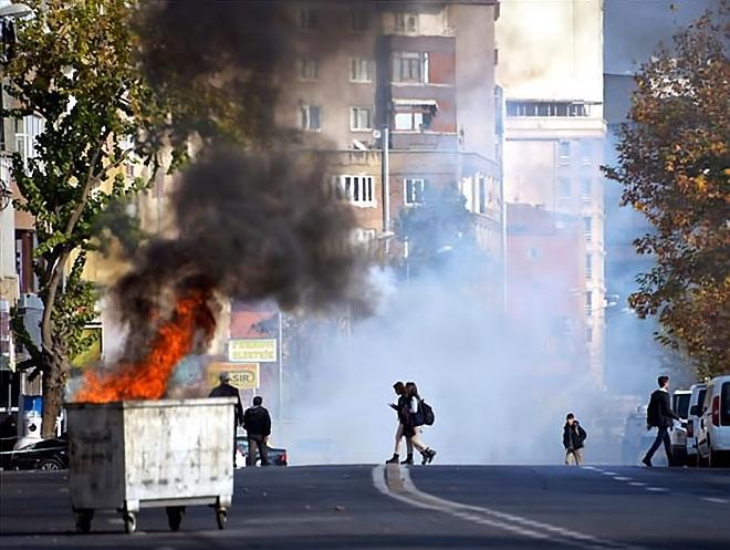 Diyarbakır'da 'Sur' protestosunda olaylar çıktı galerisi resim 8