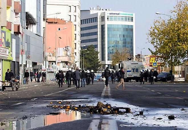 Diyarbakır'da 'Sur' protestosunda olaylar çıktı galerisi resim 9