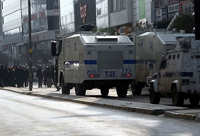 Van'daki protestolara polis müdahalesi galerisi resim 16