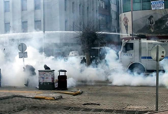 Van'daki protestolara polis müdahalesi galerisi resim 18