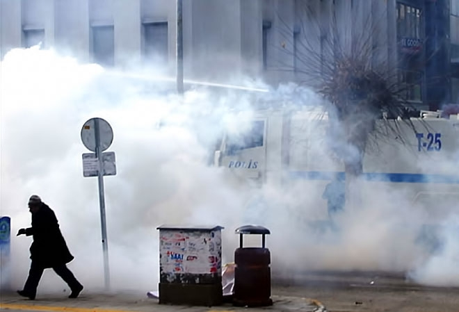 Van'daki protestolara polis müdahalesi galerisi resim 4