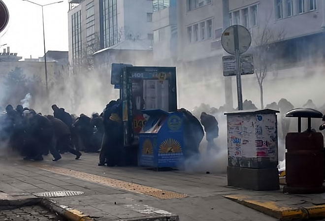 Van'daki protestolara polis müdahalesi galerisi resim 7