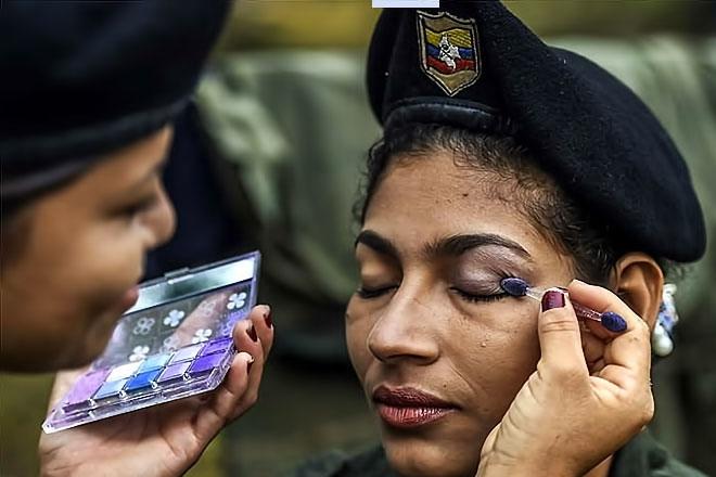 Kolombiyalı savaşçı anneler galerisi resim 4