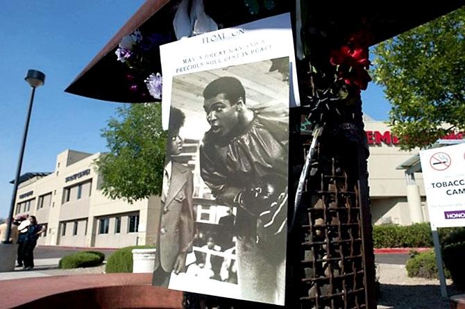 'Muhammed Ali dünyanın ufkunu açan adamdı' galerisi resim 12