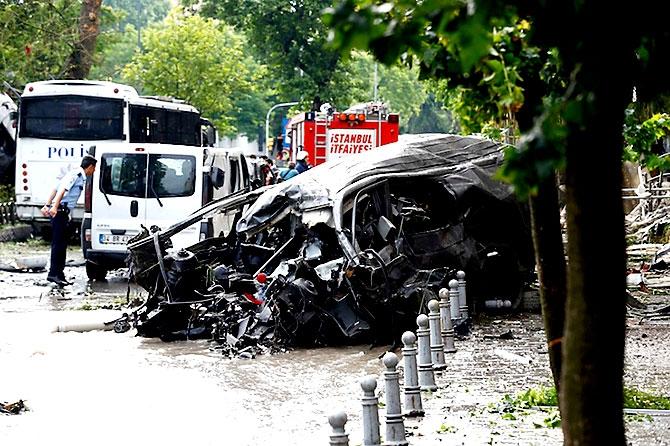 Fotoğraflarla: İstanbul Vezneciler'deki saldırı galerisi resim 1
